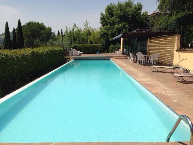 Villa with swimming pool in Perugia - Perugia - Willa