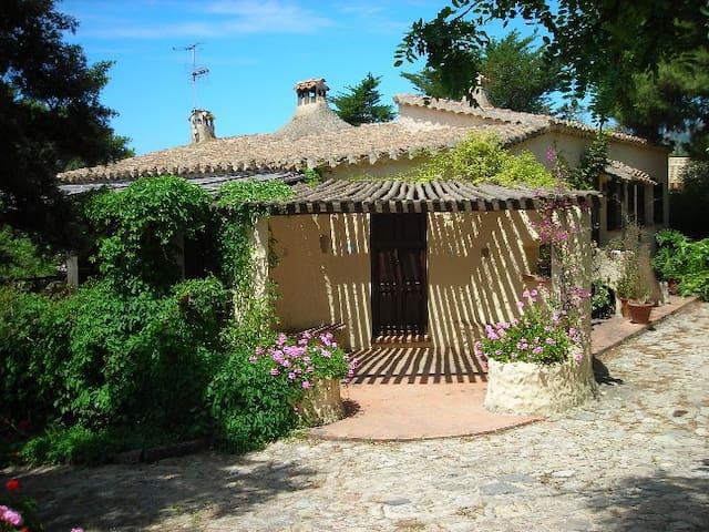 Villa in condominio Serr'e Morus 12 Cod. IUN P5726