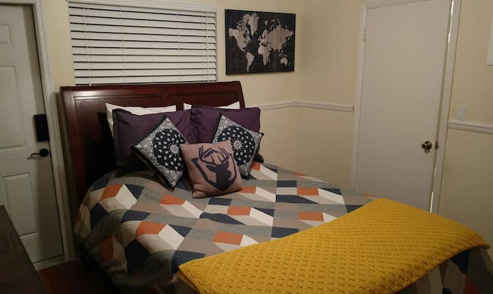 Ryan's Plantation · Ryan's Plantation · Cozy Guest Suite + Tiny Home with Swimming Pool!