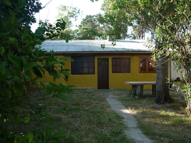 Casa a 2 cuadras de la playa - Salinas - Haus