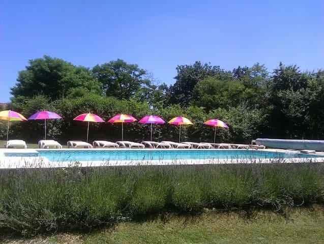 beau gite avec piscine, dordogne - Sainte-Sabine-Born - Casa