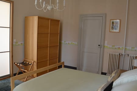 Notre chambre Gironde - Bed & Breakfast