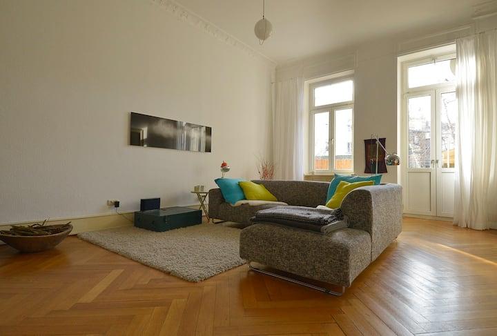 140 qm Wilhelminian style apartment