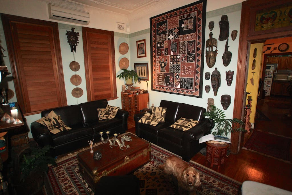 African themed lounge