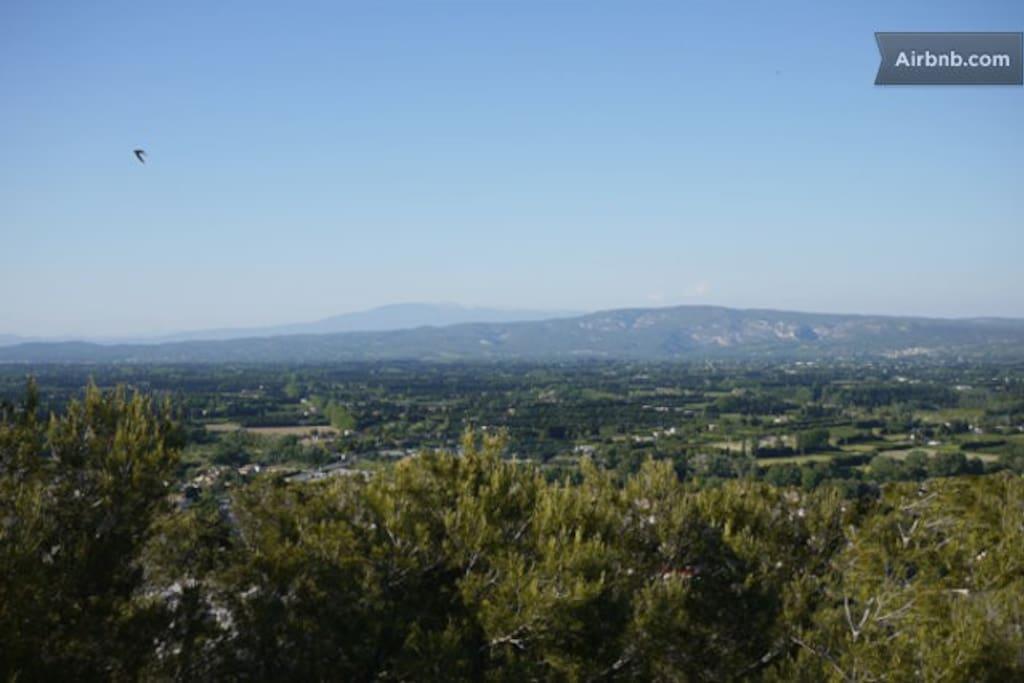 vue de la maison sur vallée du Luberon