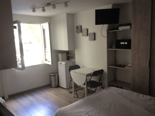 FURNISHED STUDIO - LE MARAIS ST PAUL