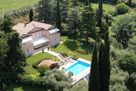 Villa Costasanti - Luxury Holiday Villa Lake Garda