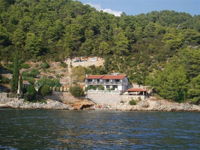 4-bed AP with private beach A2 - Gdinj