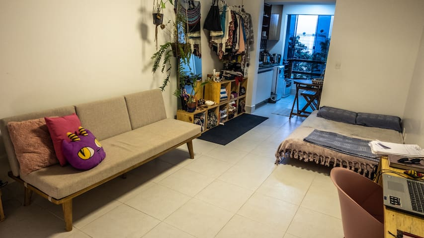 Estúdio minimalista na Asa Norte
