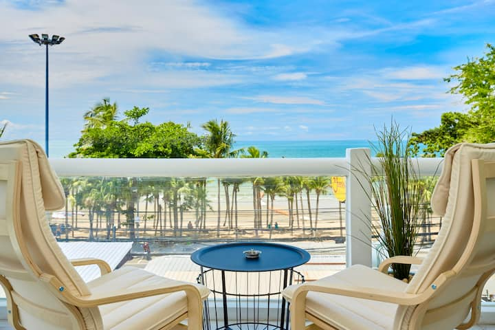 Luxurious apartment on Jomtien Beach Pattaya