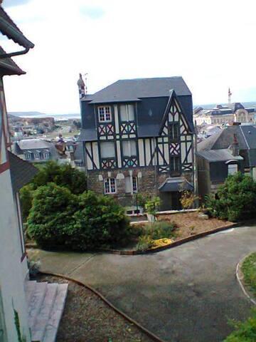 Trouville Port et charme de la Normandie