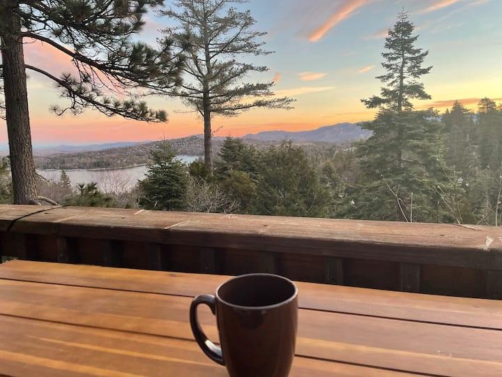 Lakeview fam lux retreat! 🎱🎯, deck,kids bunk room!