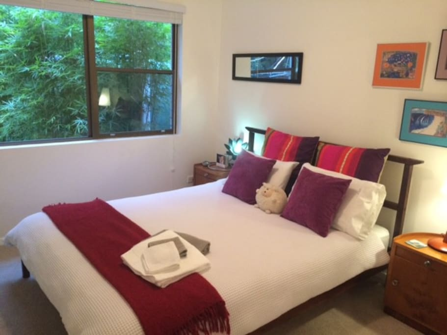 Bedroom with rainforest aspect