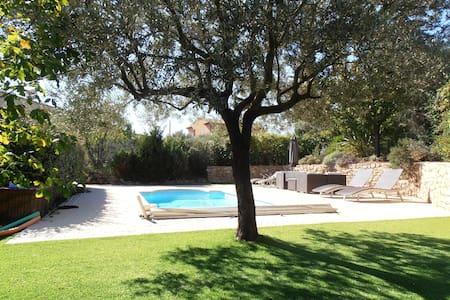 Maison avec piscine, proche du village - Cotignac - Villa