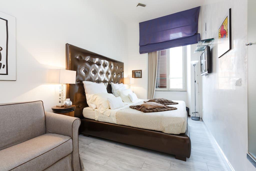 Cozy double twin room downtown chambres d 39 h tes louer rome latium italie - Lino 5 metre de large ...