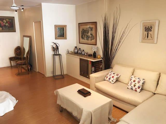 Cálido y confortable studio en el ROSEDAL-PALERMO