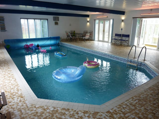 Indoor pool and hot-tub