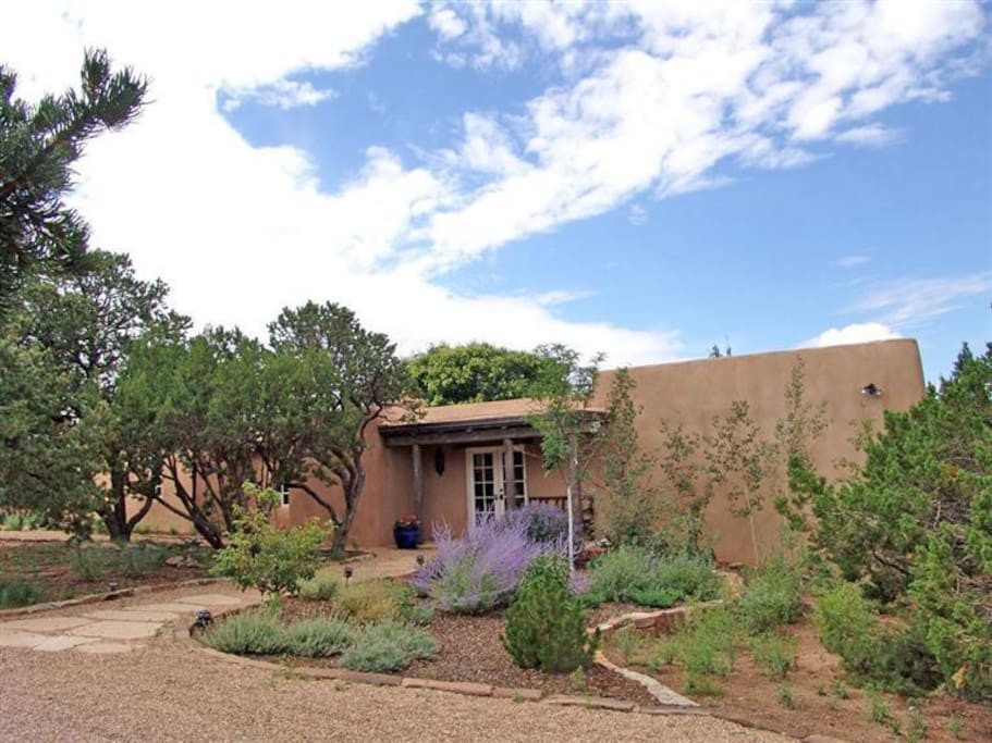 Casa bonita 3 bd in santa fe houses for rent in santa fe for Casa in stile santa fe