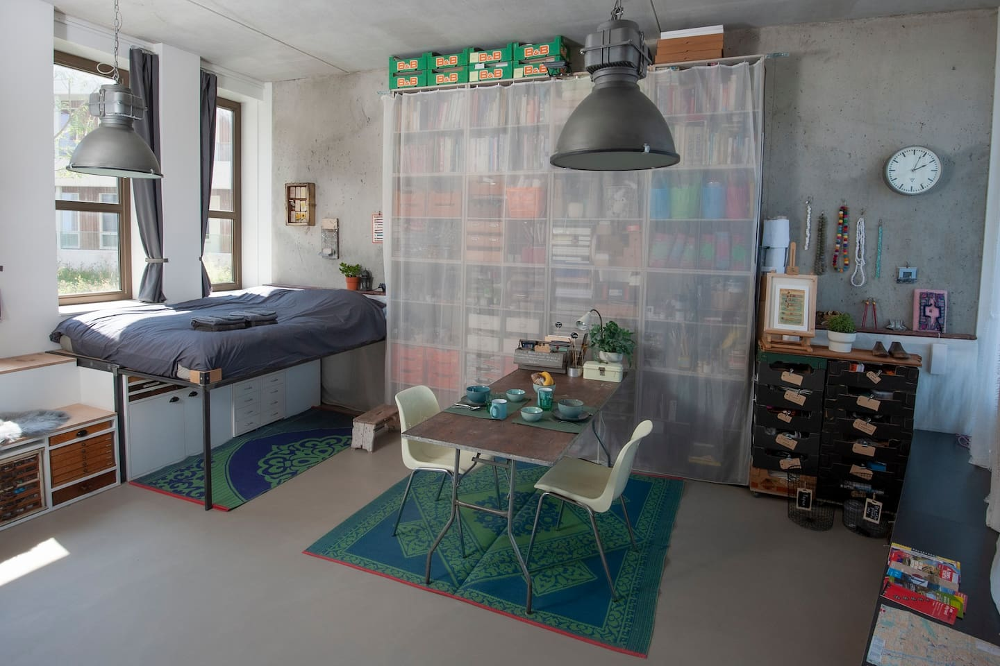 Spacious and light artistic studio/atelier wich I turn into a comfortable sleep and living room for my guest, in between my artistic projects!