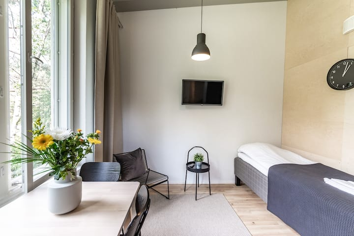 Cozy studio with loft in Hiekkaharju 500710