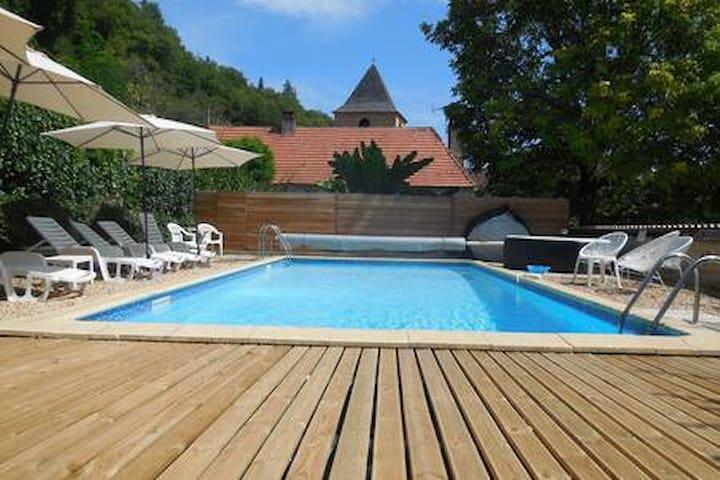 Gite 8 pers av piscine chauffée, Spa, Parc & wifi
