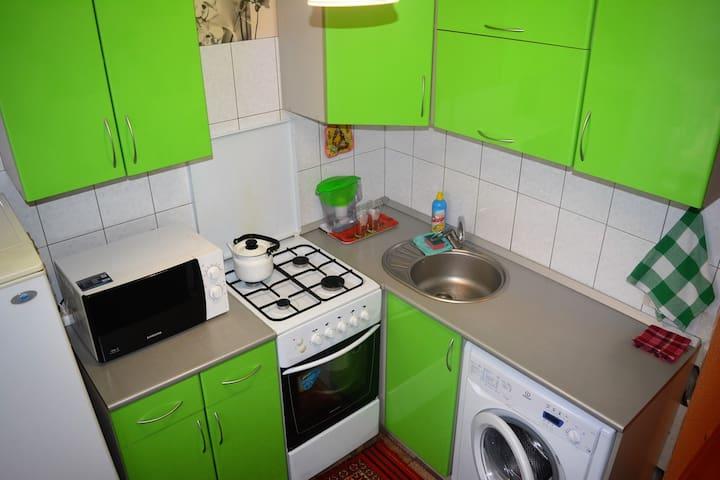 1-к квартира ул.Коммунистическая,16 - Volzhskiy - Apartmen
