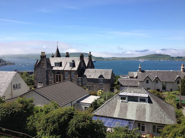 Beautiful views from every window - Oban - House