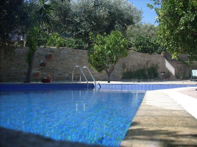 BILOCALE CON PISCINA NEL CILENTO / relax in villa - Santa Maria - Byt