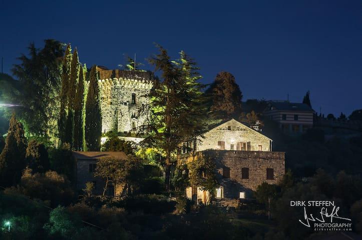Castello del 1400, tra Portofino e 5 Terre