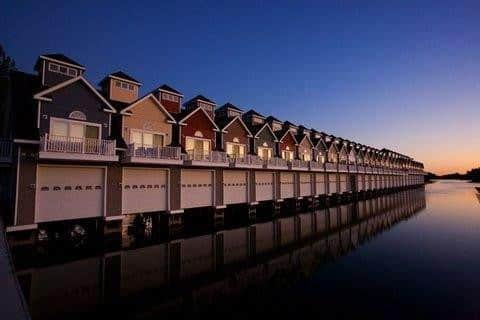 Beautiful 1000 Islands Boathouse Condo