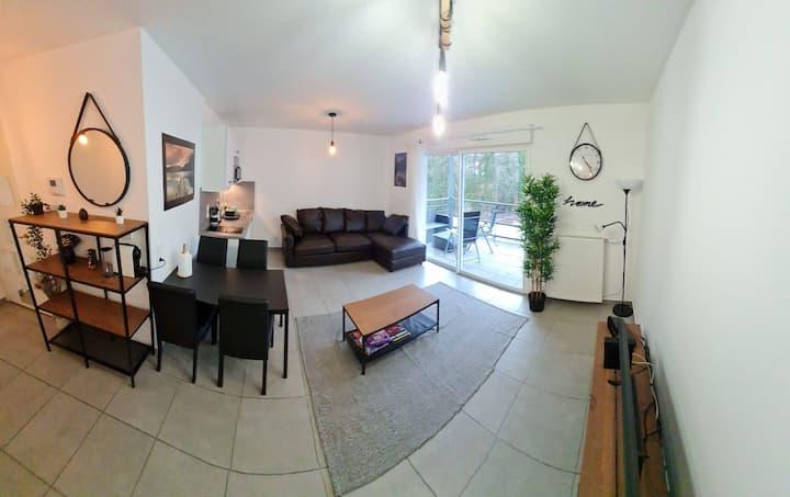Studio neuf chaleureux🏡 à Annecy-le-Vieux