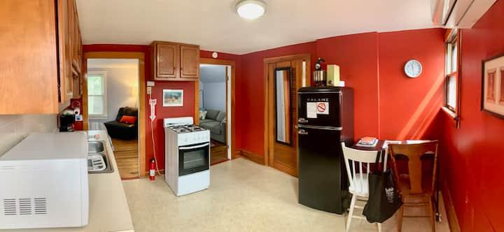 Ohio City 2nd Fl Apt With Free Off Street Parking