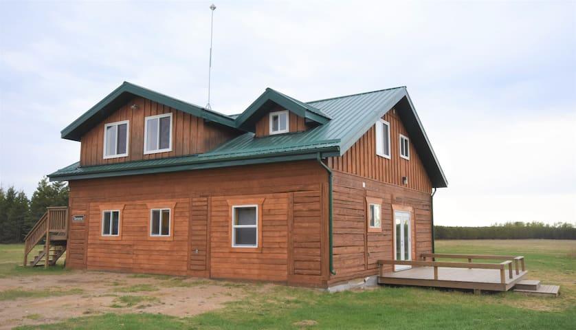 Timberland Lodges - Lower Suite Tamarac Lodge