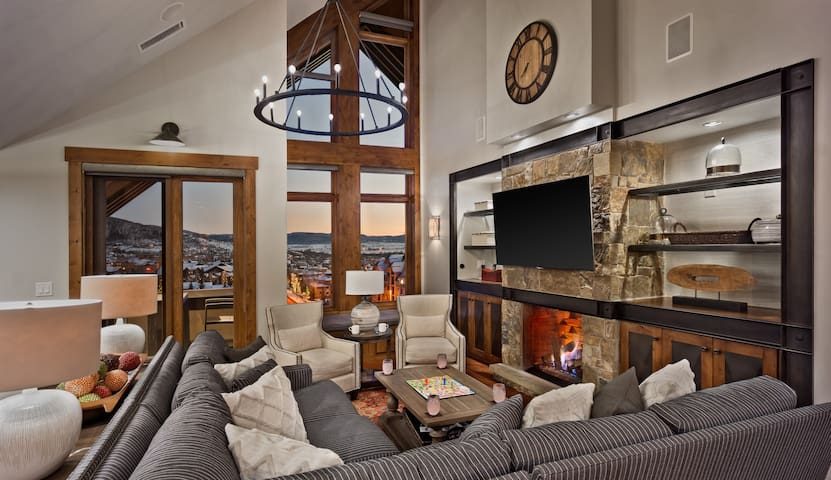 Diamond Peak Penthouse 616