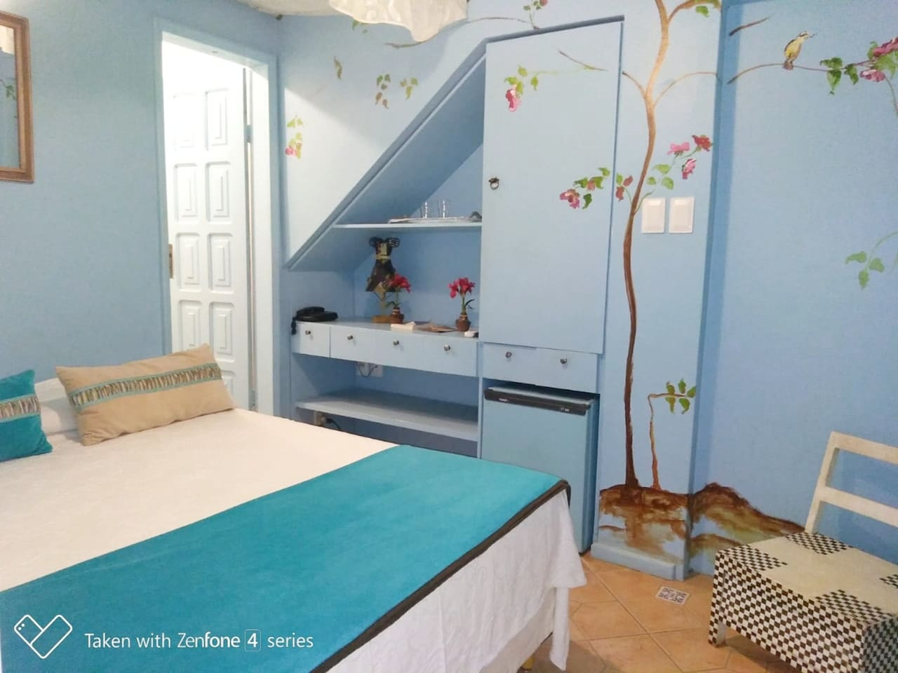 Espaço do quarto.