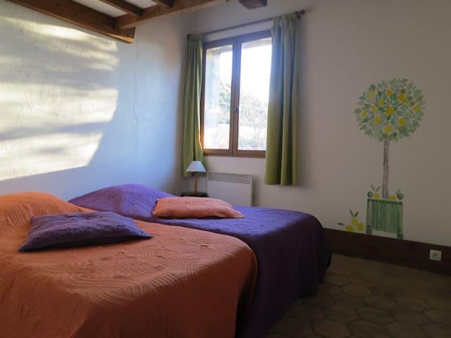 chambre avec sdb à proche de la Palud-sur-Verdon