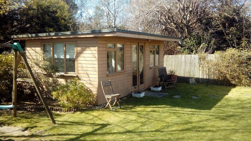 Peaceful garden cabin - Lindfield - Houten huisje