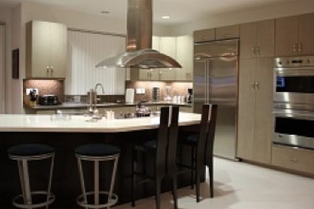ample space for food prep, dual ovens