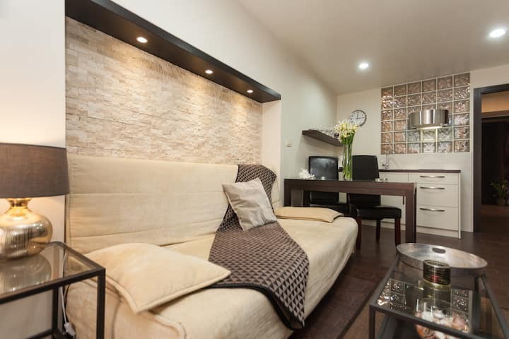 Modern Apartment in the heart of the old town