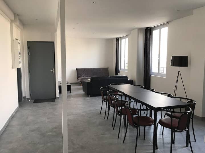 bel appartement 10pers centre ville face gare SNCF