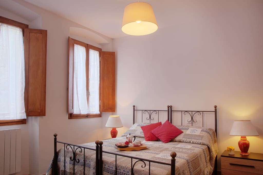 LOVING FLORENCE APARTMENT Double bedroom