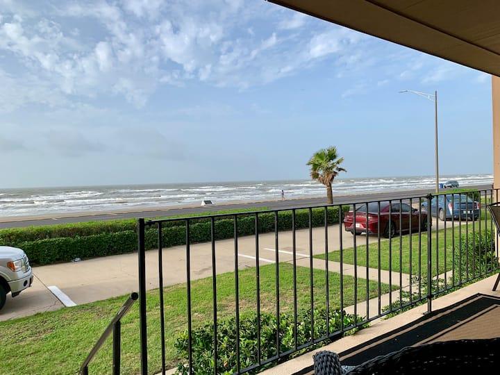 Shore Beats Work| OceanFront View | 2 Bed & 2 Bath
