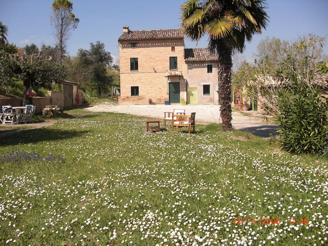 Casa di campagna per vacanze - Mogliano - Huis