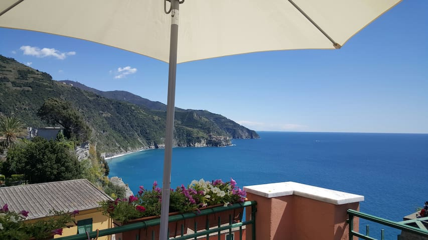 """La Torre"" Corniglia sea view room! - Corniglia - Bed & Breakfast"