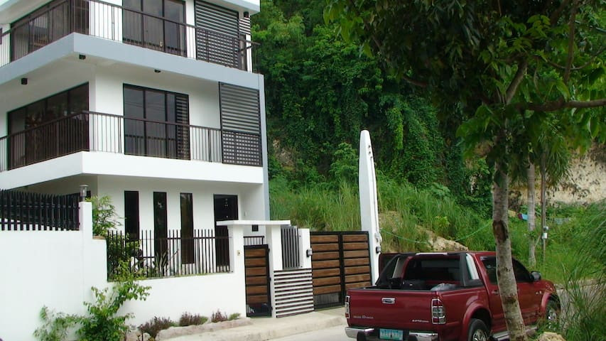 2 Rooms for rent on 2nd floor - Consolacion - House