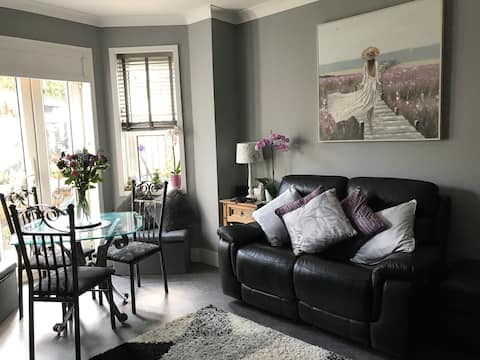 BeautifulGarden flat with relaxing space to unwind