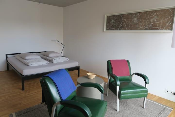 Studio nähe Baden, ruhig und zentral