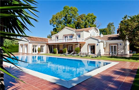 This beautiful villa has large pool and set in own walled gardens