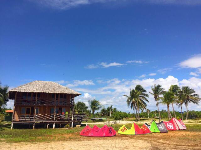 Kite House Atins