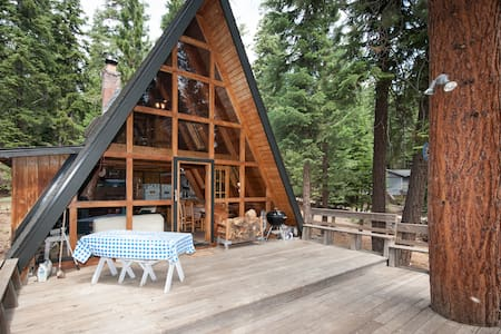 Affordable North Lake Tahoe Cabin - Highly Rated!